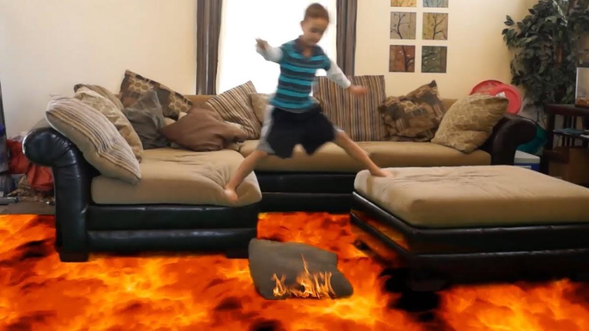 Captura de uno de los vídeos 'The floor is lava' con efectos especiales.