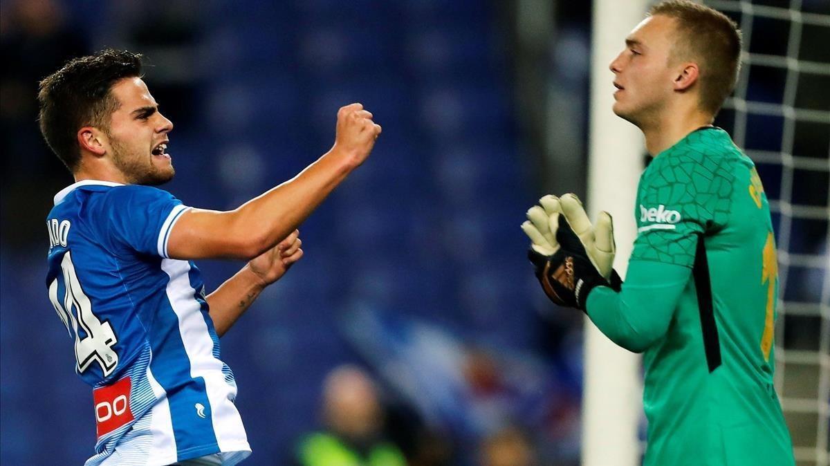 Melendo celebra el gol que le marcó a Cilessen en elk minuto 88.