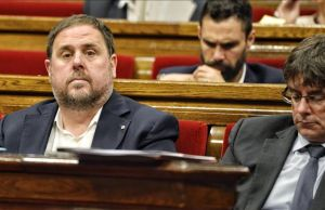 Junqueras y Puigdemont, en el Parlament.