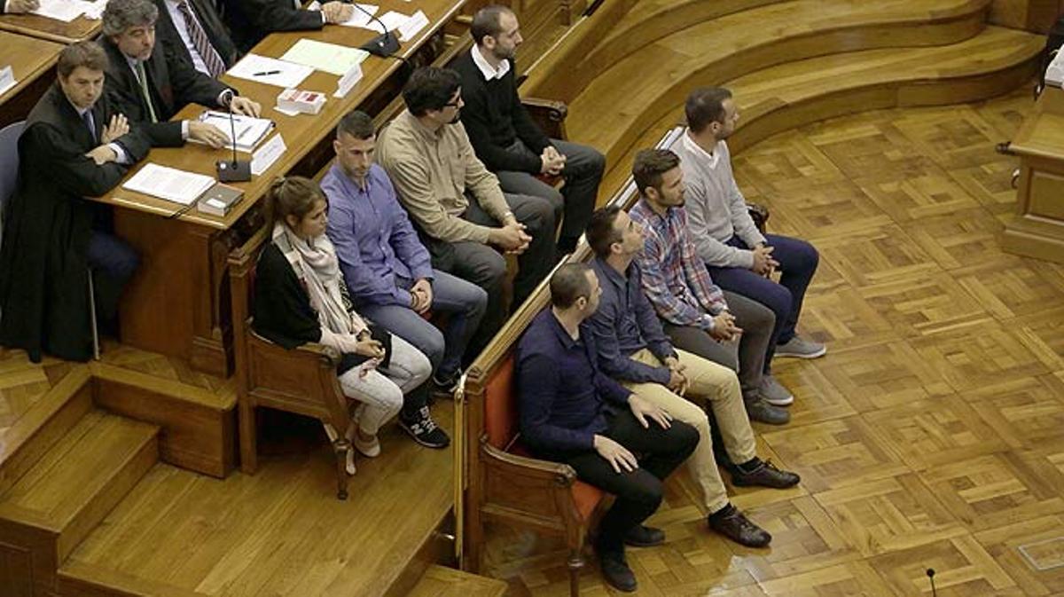 Los mossos del 'caso Benítez' se libran de la cárcel.