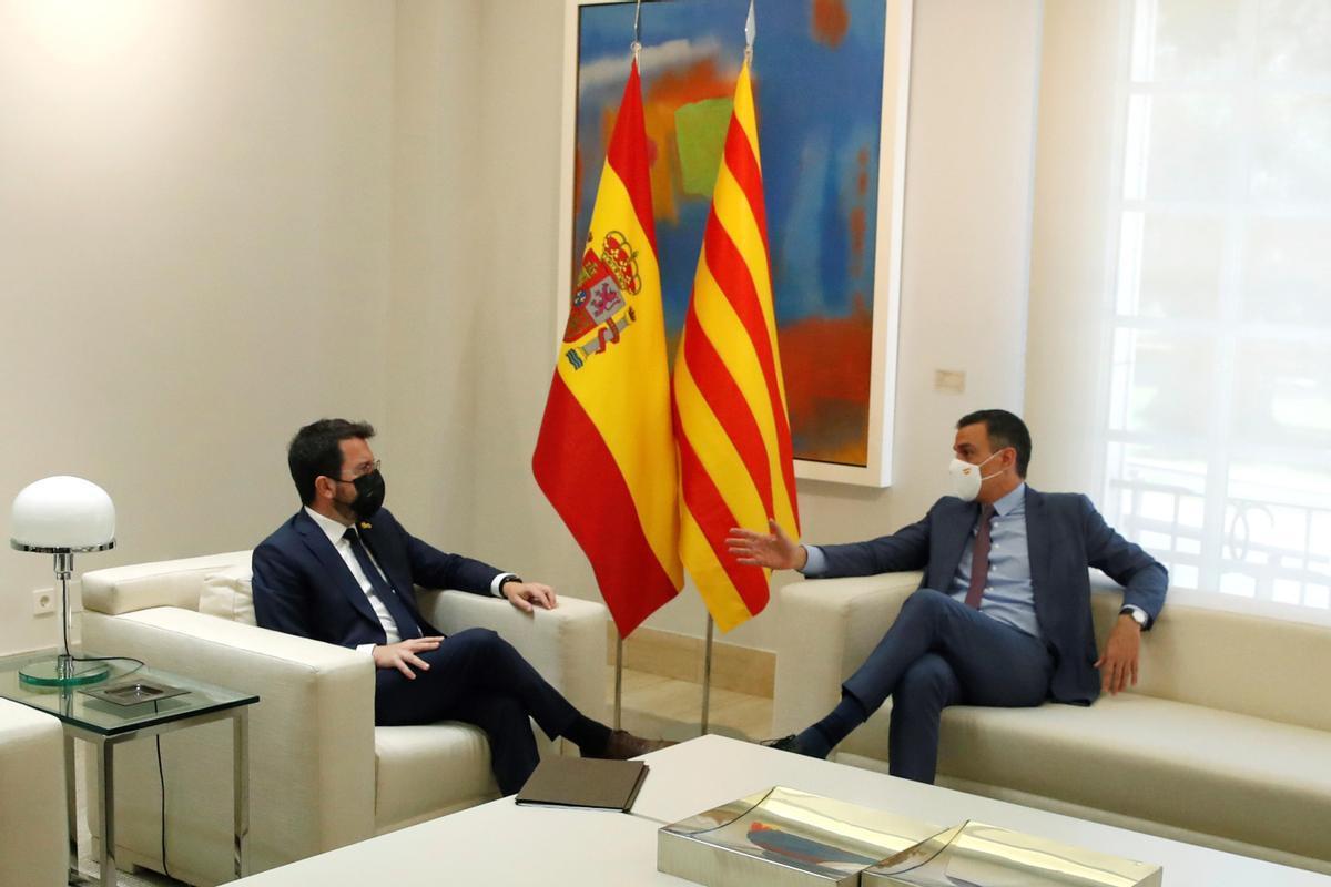 El presidente de la Generalitat, Pere Aragonès y el del Gobierno, Pedro Sánchez.