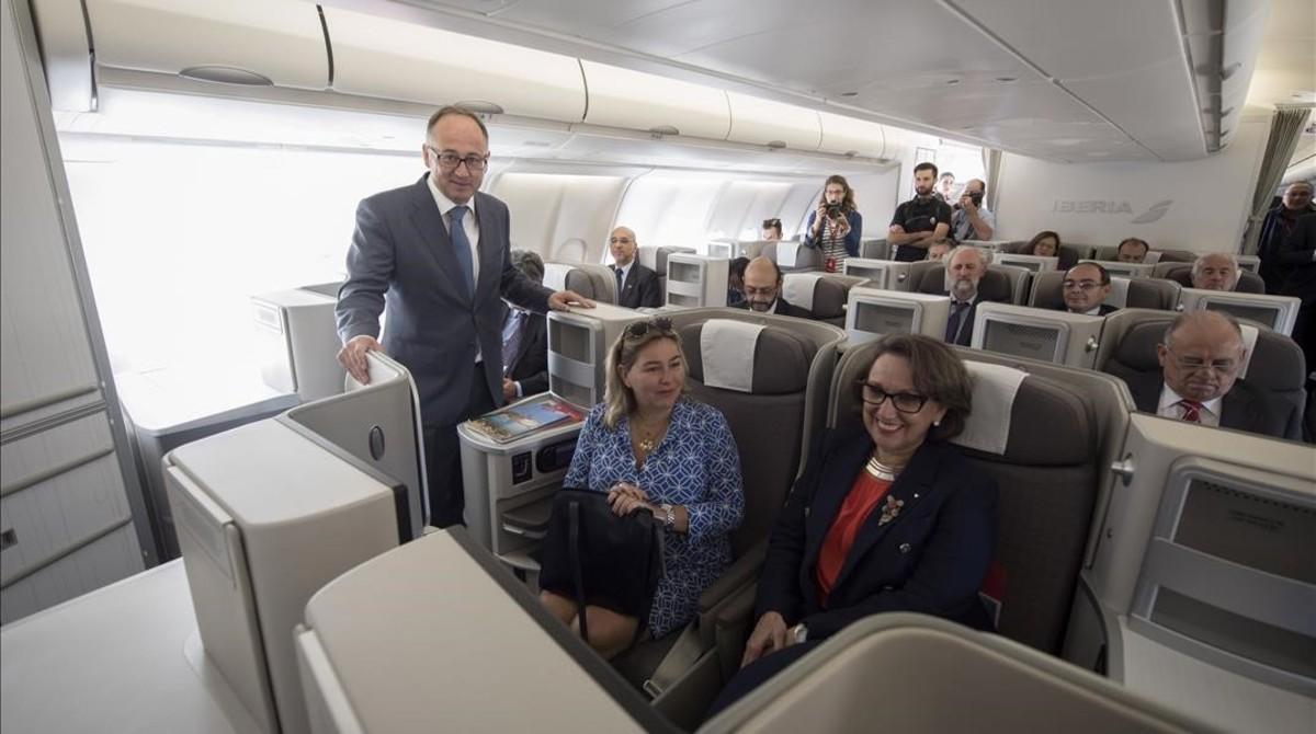 El presidente de Iberia, Luis Gallego, en el avión bautizado como 'Iberoamérica?