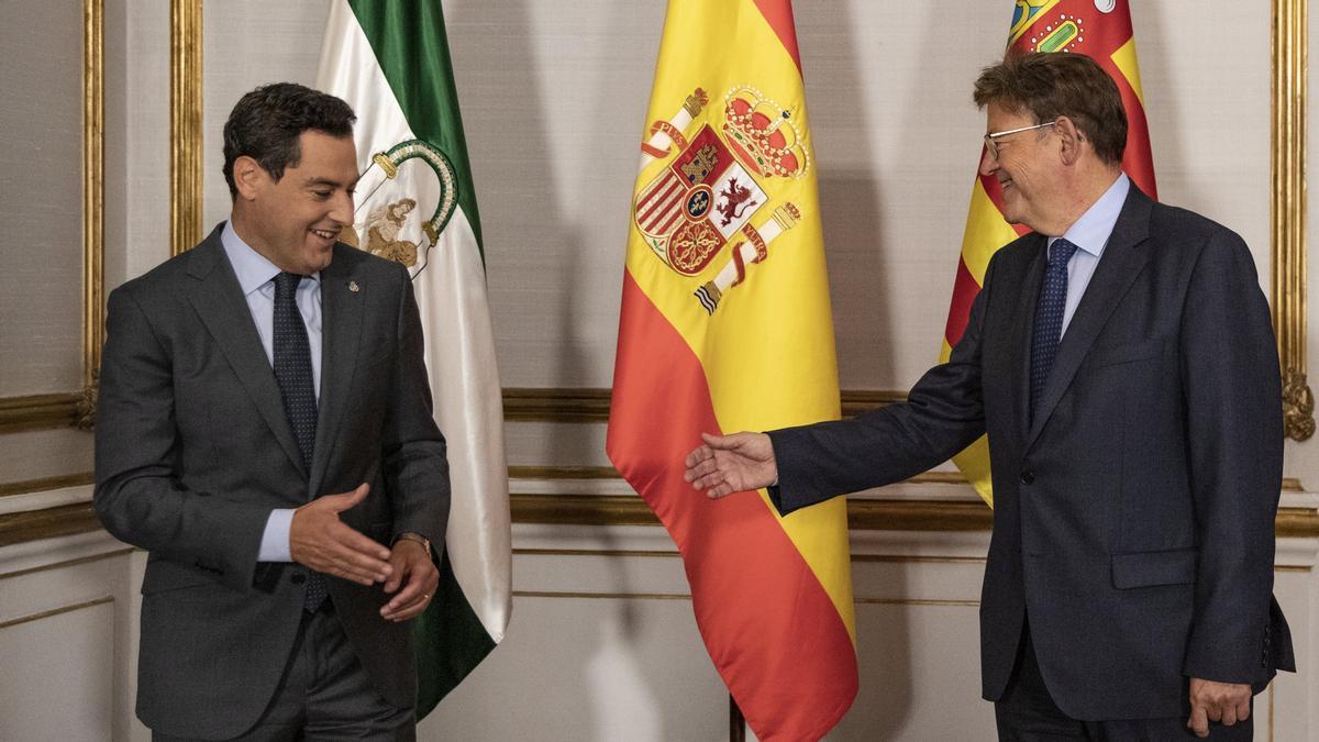 Juanma Moreno se reúne con el presidente de la Generalitat Valenciana, Ximo Puig