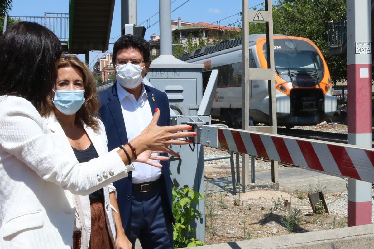 La ministra Raquel Sánchez, en una visita a la estación de Sant Feliu de Llobregat.