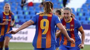 Mariona Caldentey y Alexia celebran uno de los goles del Barça en la semifinal de Copa.