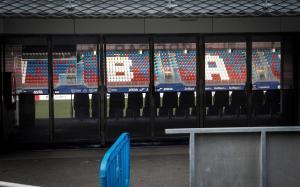 GRAFCAV3301. EIBAR (GIPUZKOA), 10/03/2020.- Vista del estadio de Ipurua de Eibar, este martes, donde esta noche se juega el partido aplazado de LaLiga Santander entre el Eibar y la Real Sociedad, que se celebra a puerta vacía a causa de las medidas contra el coronavirus COVID-19.EFE/ Javier Etxezarreta