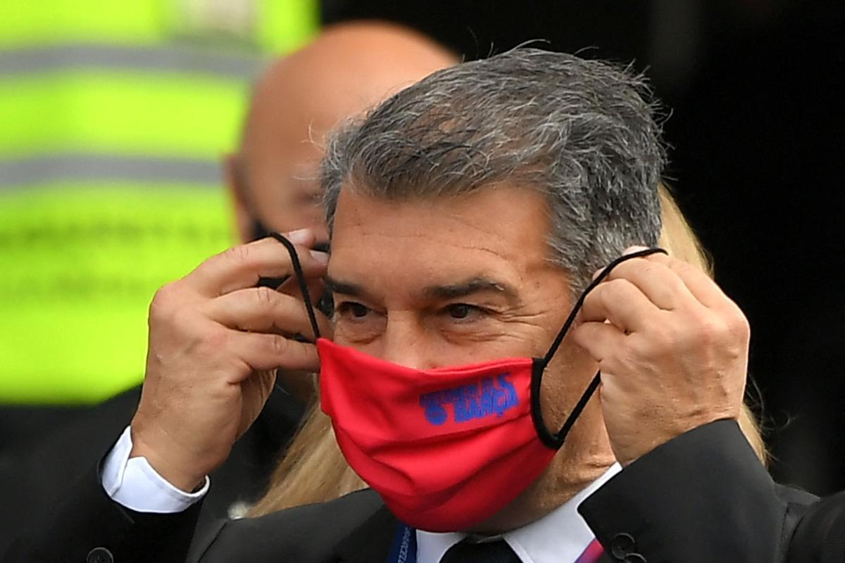 Laporta, en el Camp Nou durante la jornada electoral.