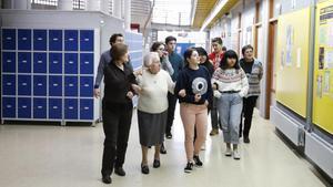 Ángela visita el IES Vázquez Montalbán, este jueves.