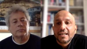 Alessandro Baricco y Jorge Carrióncharlan via skype desde sus respectivos domicilios en Turín y Barcelona.