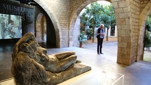 La escultura'Nu', de Frederic Marès, acupael patio del Museu Marès en el 70º aniversario del centro.