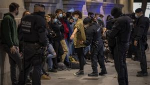Homes joves i espanyols: el perfil dels més de 80 detinguts en els disturbis del cap de setmana