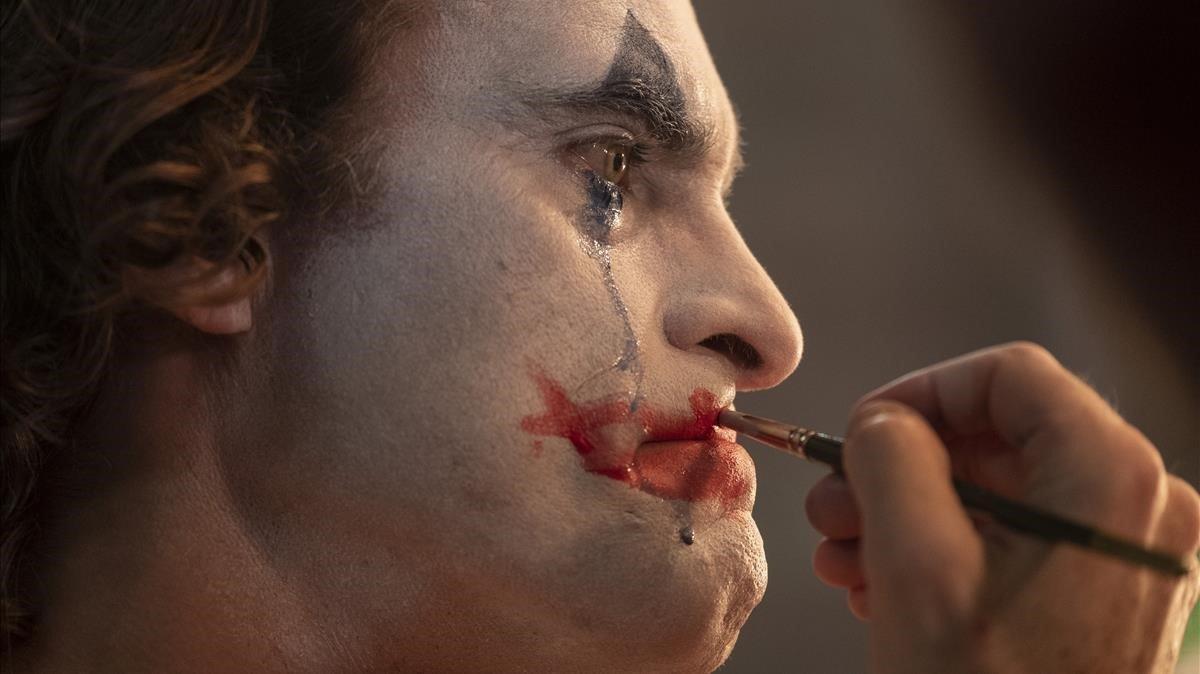 Joaquin Phoenix, en una imagen de 'Joker', la ganadora de Venecia.