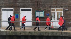 Detinguts 36 immigrants que creuaven el Canal de la Mànega