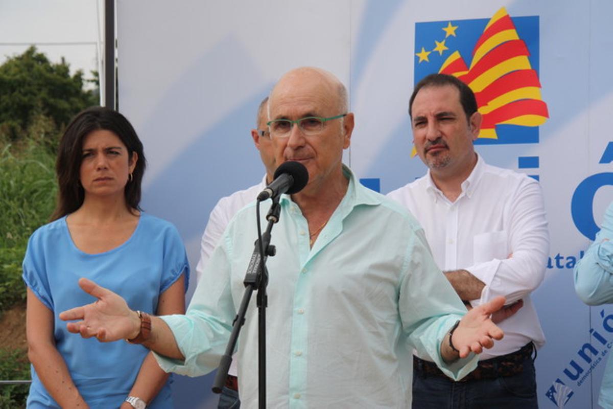 Josep Antoni Duran Lleida, líder de UDC, interviene en el tradicional desayuno de verano de su partido en Llofriu.