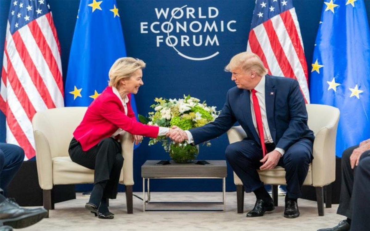 La presidenta de la Comisión Europea,Ursula von der Leyen, y el presidente de EEUU, Donald Trump, en Davos.