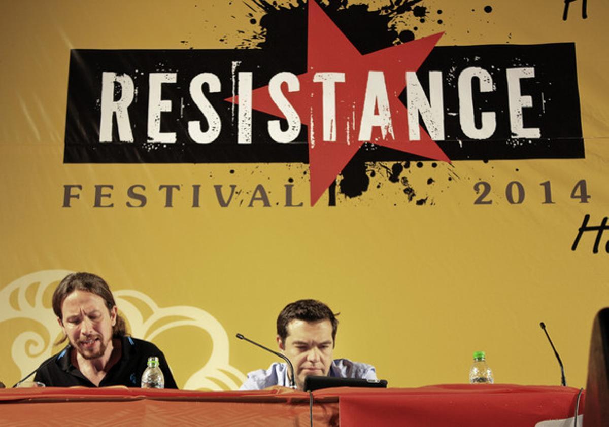 Pablo Iglesias, con Alexis Tsipras, este sábado, en Atenas.