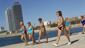 Les dones viuen sis anys més que els homes, però 20 són amb mala salut