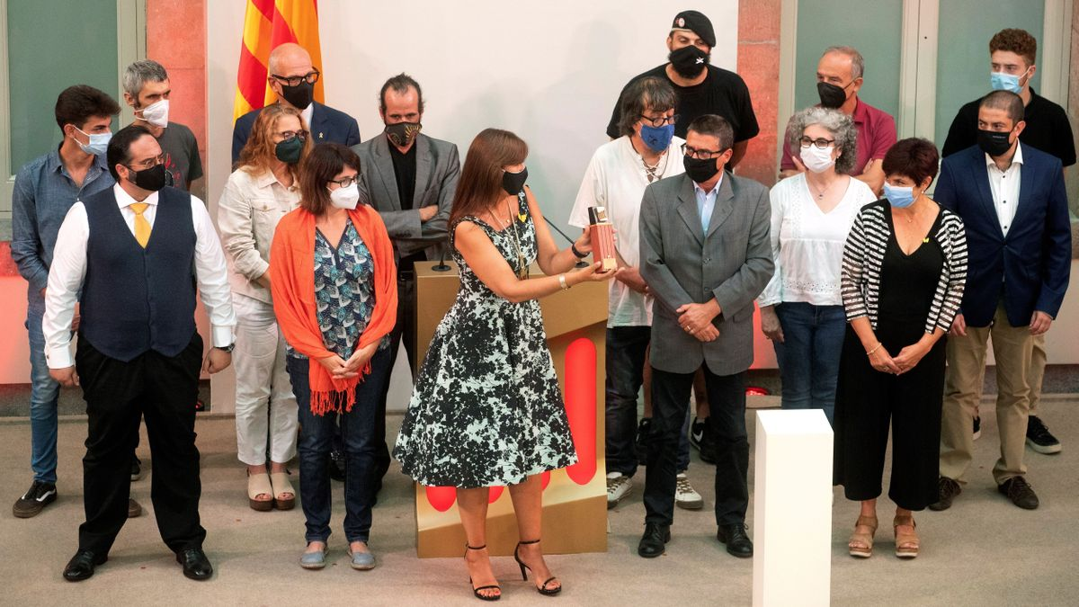 Entrega de Medalla de Honor a las víctimas de la represión y a los colectivos jurídicos que las defienden.