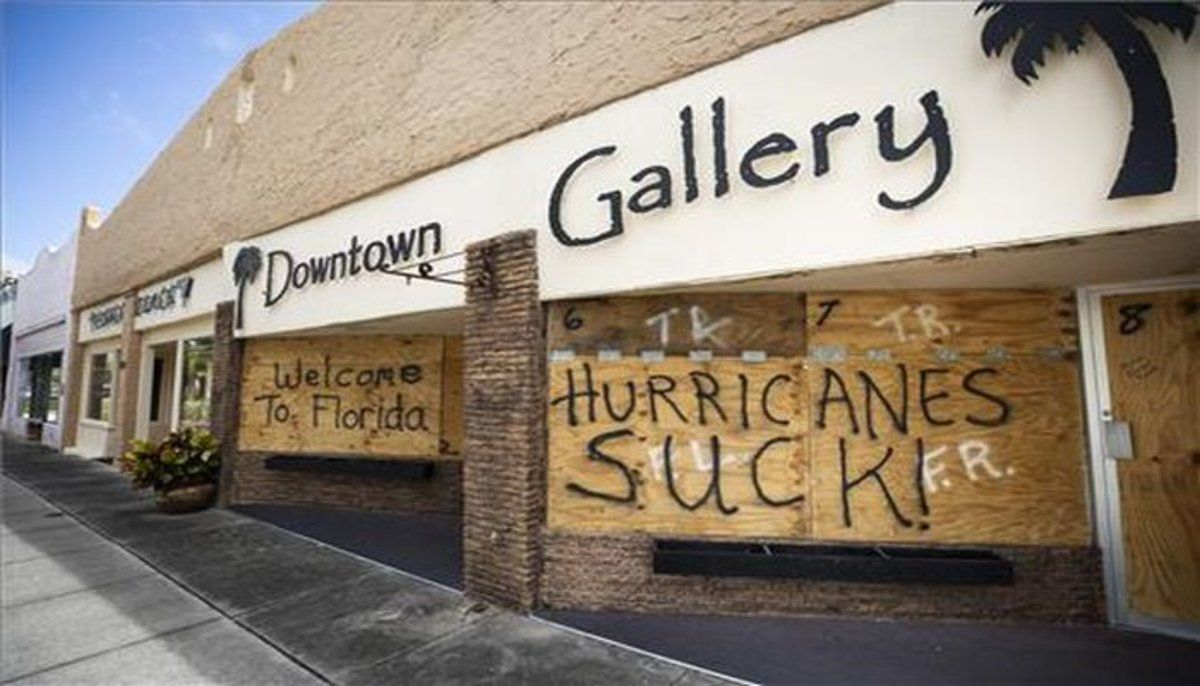 Cierran las instalaciones públicas en Florida ante la llegada del huracán 'Dorian'.