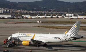 Aviones de Vueling, en el aeropuerto de El Prat, a mediados de enero.