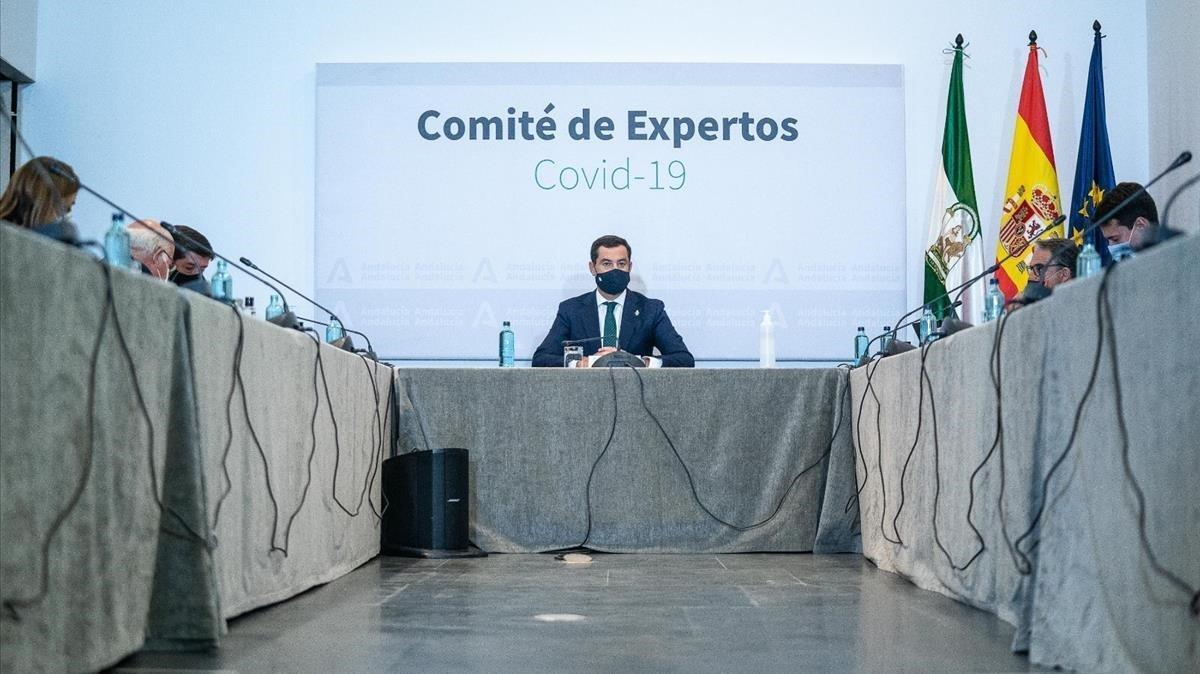 El presidente andaluz, Juanma Moreno Bonilla, durante la reunión del Consejo Asesor de Alertas de Salud Pública.