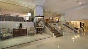 Robades quatre valuoses obres d'art d'un hotel de cinc estrelles a Madrid