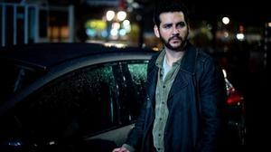 El actor Fran Perea en la serie de Orange TV 'Kosta (The Paradise)'.