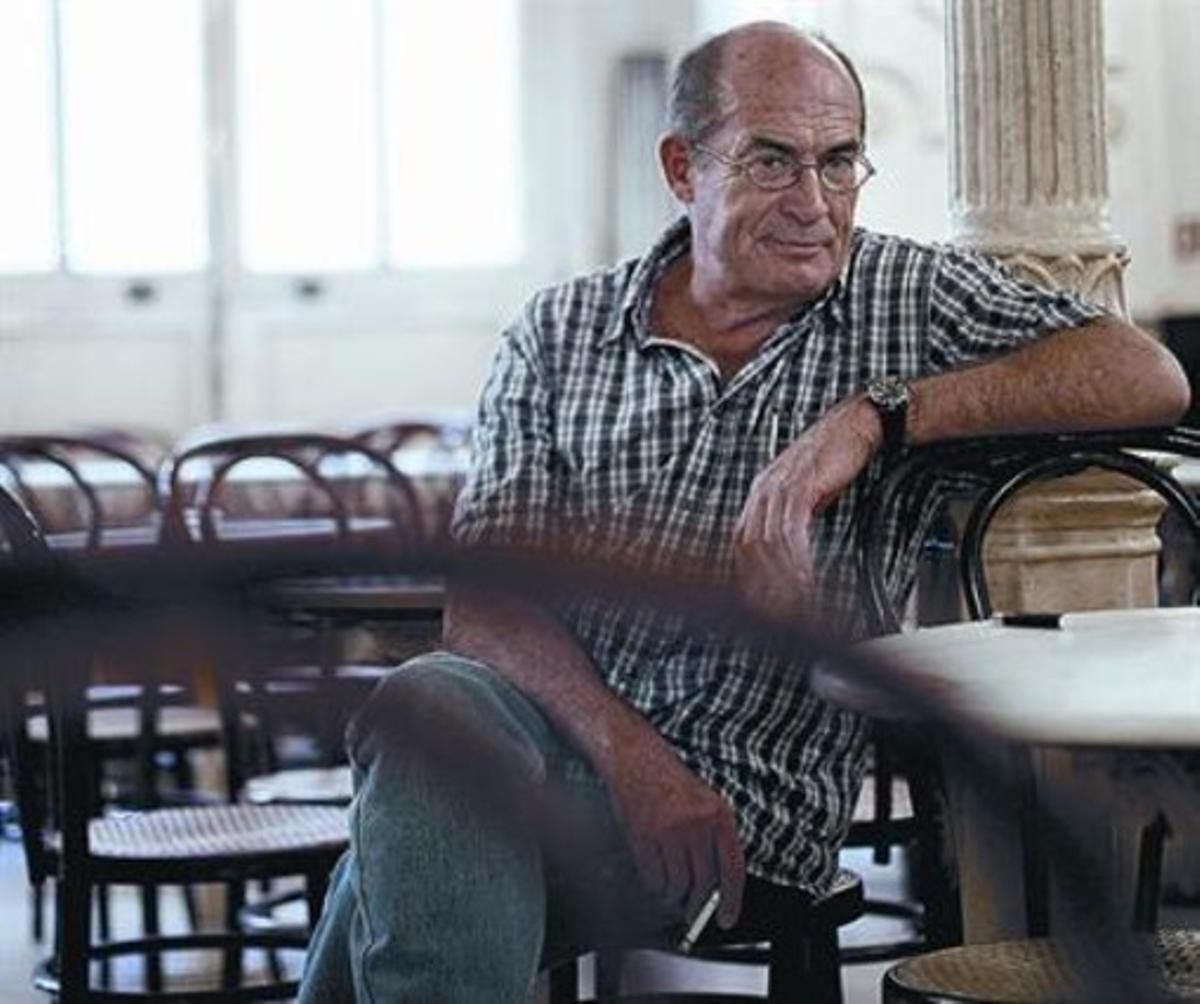 El escritor Juan Madrid, autor de los guiones de la serie 'Brigada central'.