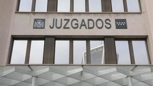 Suspens als equips dels quals depenen les custòdies als jutjats