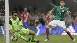 Momento en el que Keylor Navas falla y encaja un gol ante México.