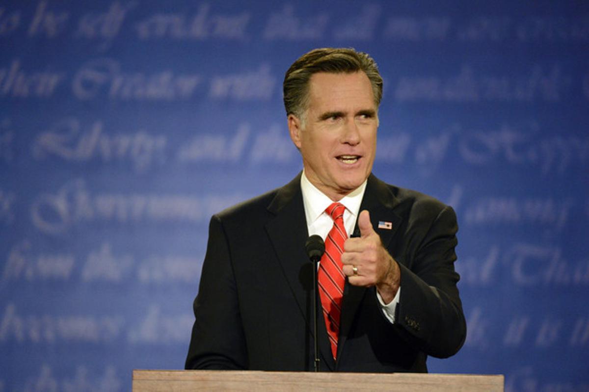 El candidato republicano a la Casa Blanca, Mitt Romney, en un momento del debate, anoche en Denver.