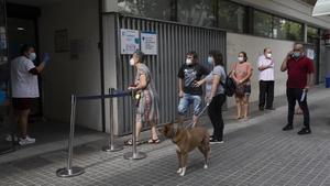 Salut traurà la vacunació de la grip dels centres d'atenció primària