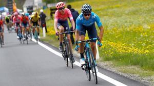 Landa, Carapaz i el Movistar, a l'atac en el Giro