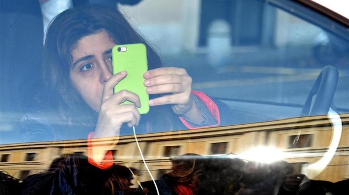 Francesca Chaouqui a su llegada a la primera sesión del juicio por el caso 'Vatileaks 2'.