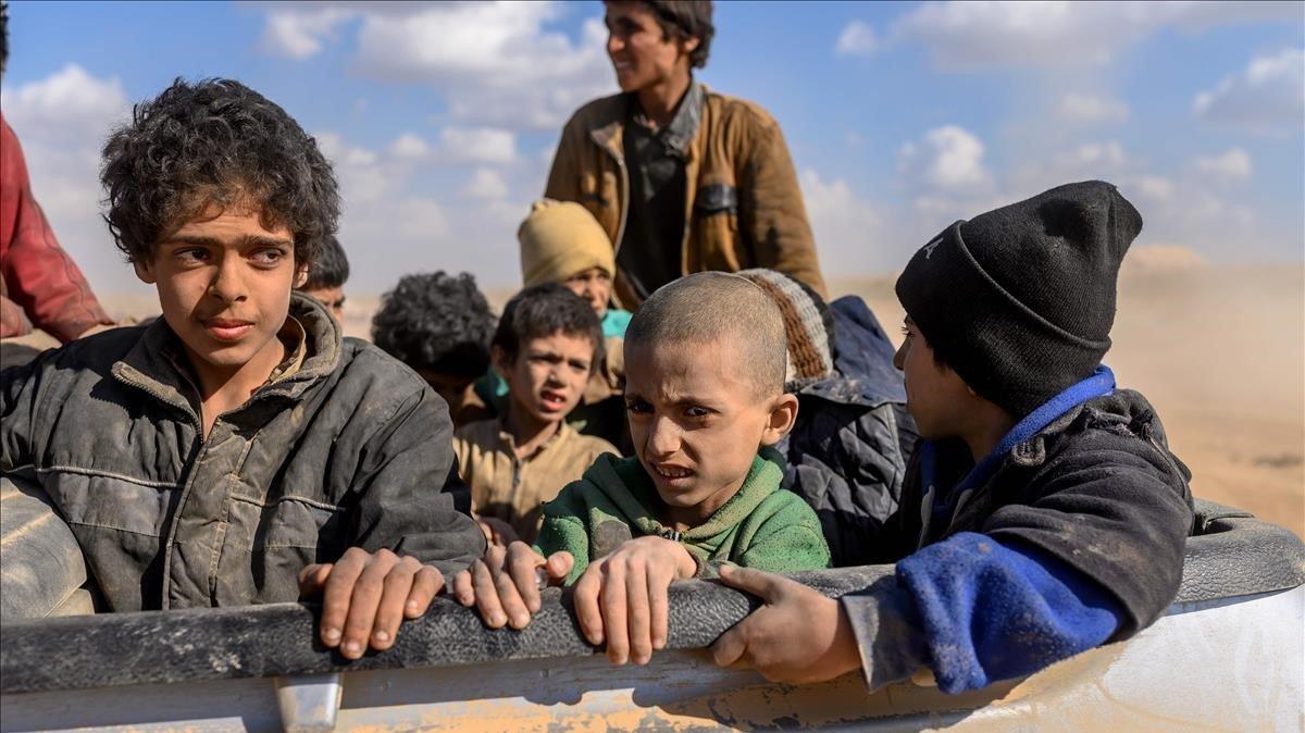 Niños que habían sidocapturados porEstado Islámico, en una imagen de archivo