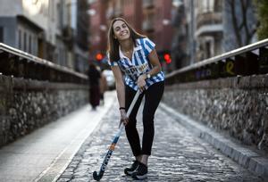 Carola Salvatella, con la camiseta del Egara, en su Terrassa natal.