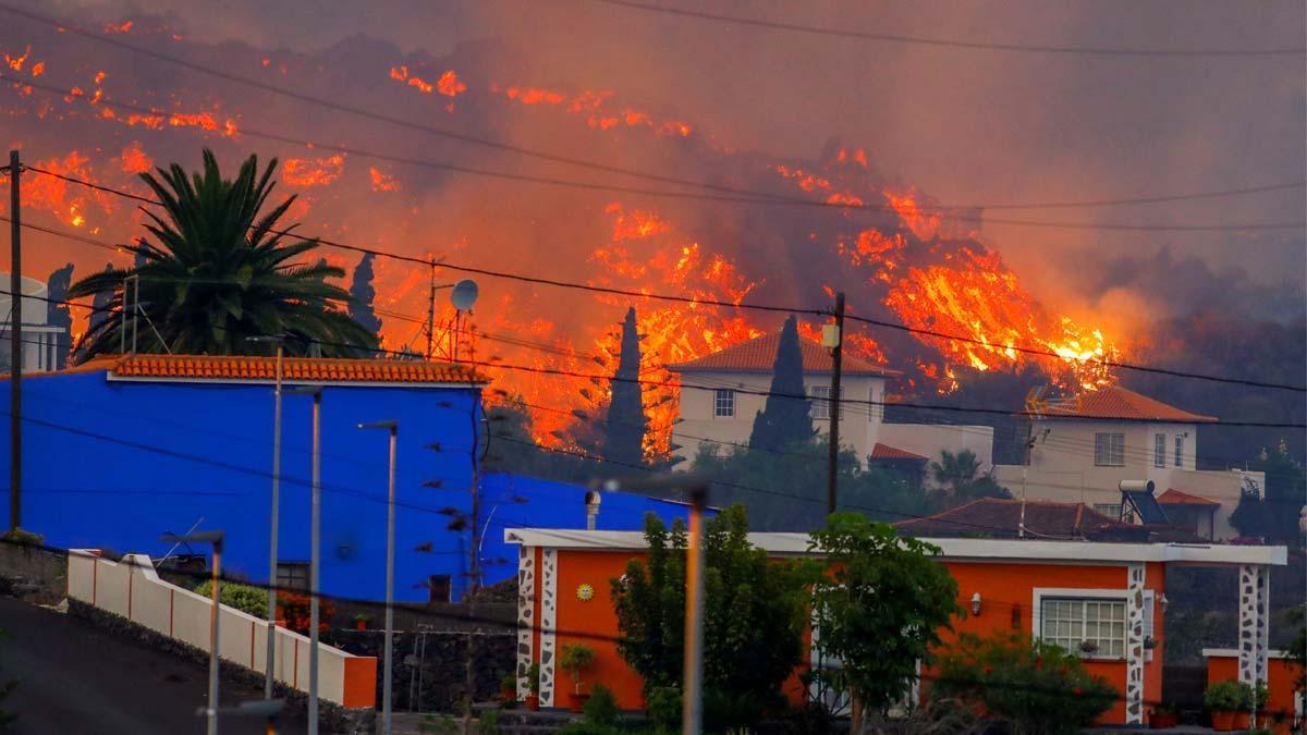 El volcà de La Palma entra en erupció