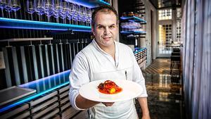 La receta delbacalao al horno con tomate y pimiento rojo de Jordi Vilà.