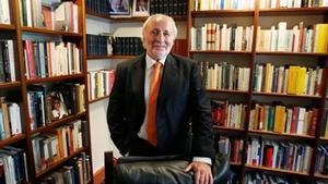 Catalanista liberal 8Antoni Fernández Teixidó, en su despacho, en Barcelona.