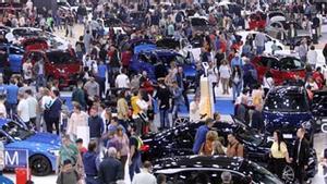 Cláxons clausurando el Automobile Barcelona del Centenario