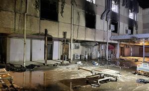 Al menos 82 muertos por una explosión en un hospital de Bagdad.
