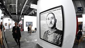 Obra satírica sobre Franco, del artista finlandés Riiko Sakkinen, en ARCO.