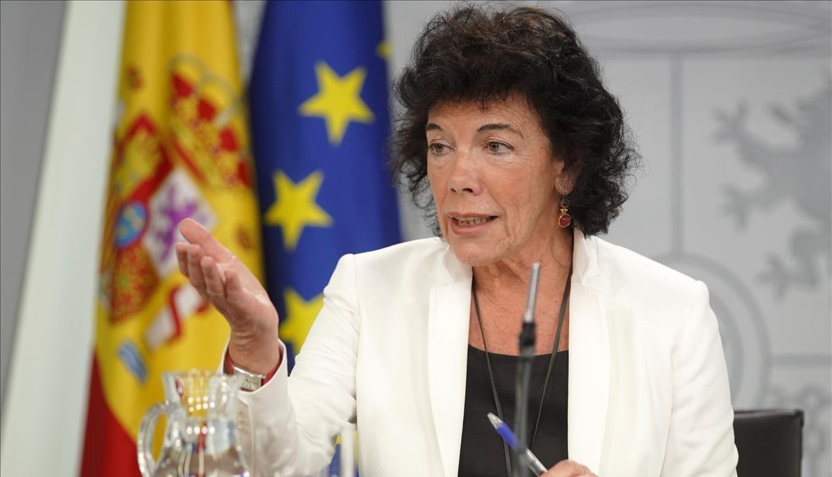 La portavoz del Gobierno, Isabel Celaá.