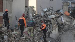 El terremoto, de magnitud 6,6 en la escala de Richter, sacudió el viernes la zona oeste de Turquía y varias islas griegas.