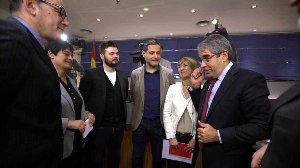 Podemos, ERC y PNV arropan a Homs con un voto particular contra su suplicatorio