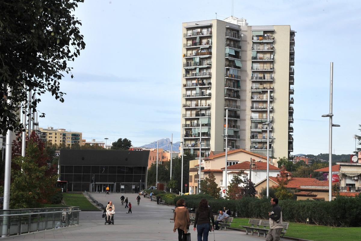 La estación de FGC en el barrio de Les Torres.