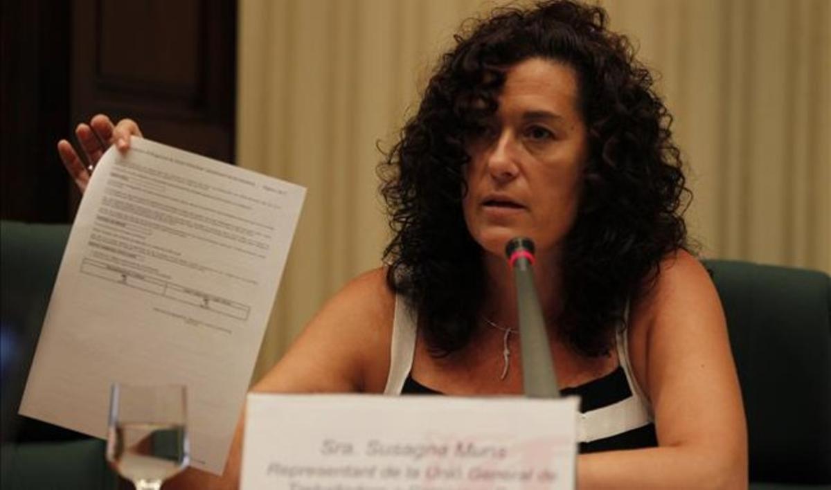 Susagna Muns, secretaria general de UGT en Catalunya Banc, en su comparecencia en el Parlament. ALBERT BERTRAN
