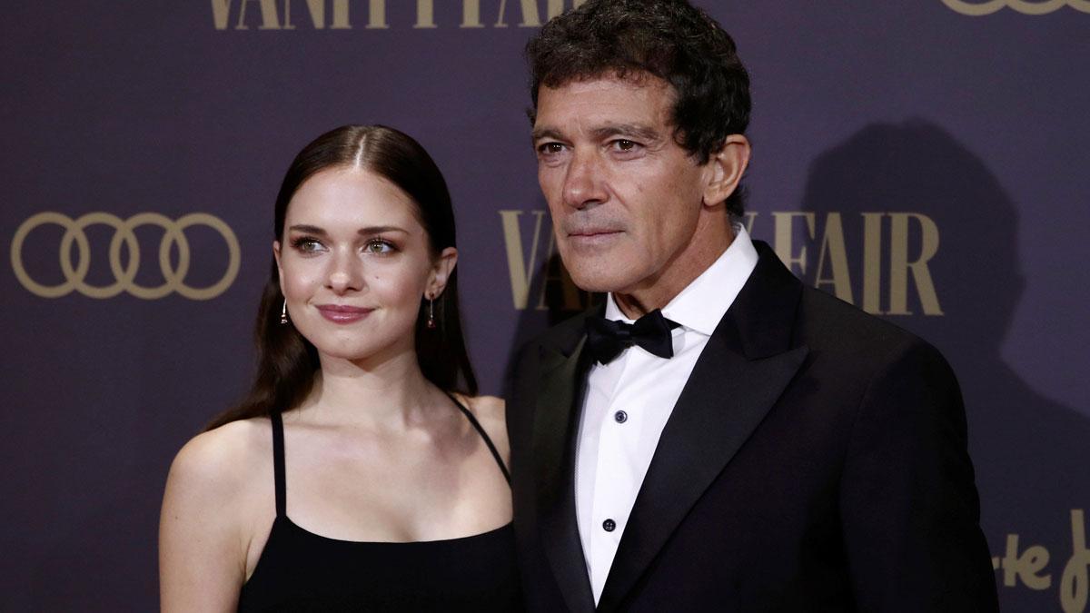 Antonio Banderas presume de su hija Stella del Carmen en la gala de Vanity Fair.