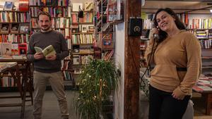 Sergio Lledo y Arza Ibrahimovic,  en la Llibreria Fahrenheit 451