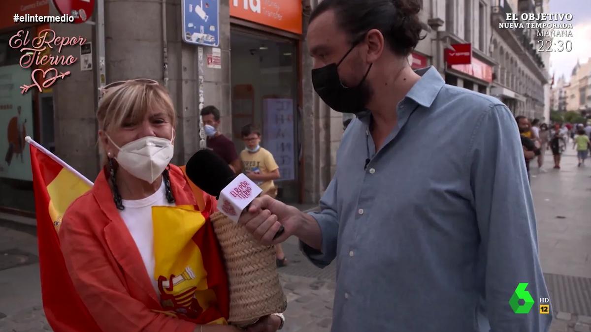 """Una mujer llora en 'El intermedio' mientras pide la dimisión de Sánchez: """"España me duele"""""""